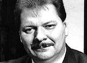 """Heinz W. Pfeifer fertigte schon zweimal die """"Uhr des Jahres"""""""