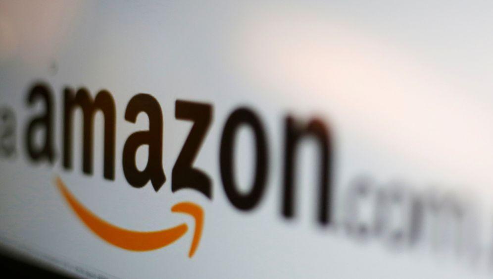 Black Friday: Streikende und Umweltschützer gegen Amazon