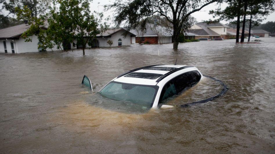 Überflutete Straßen in Louisiana: 750.000 Menschen in der Region sind ohne Strom