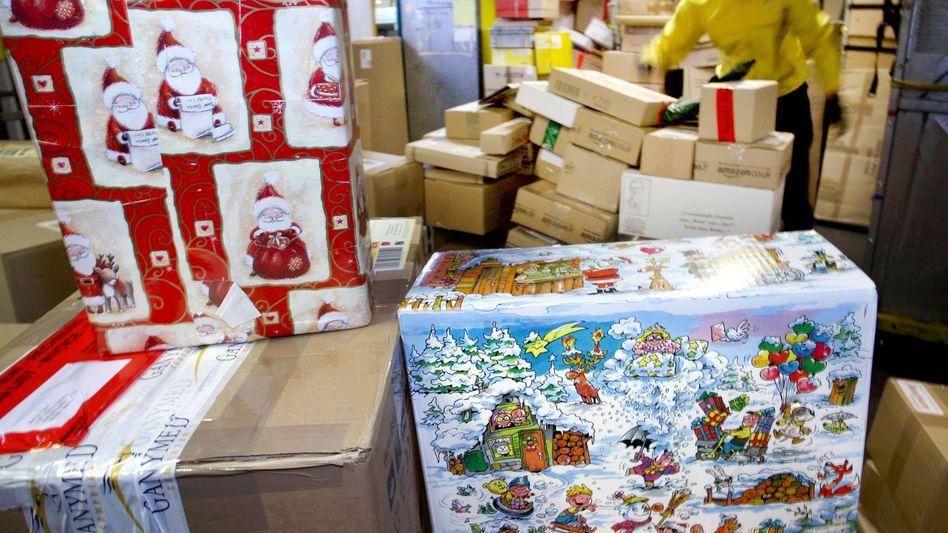 Nicht nur zu Weihnachten ein Problem: Logistik-Unternehmen wie GLS, DPD, Hermes und DHL fehlt es an Paketboten und Mitarbeitern im Depot