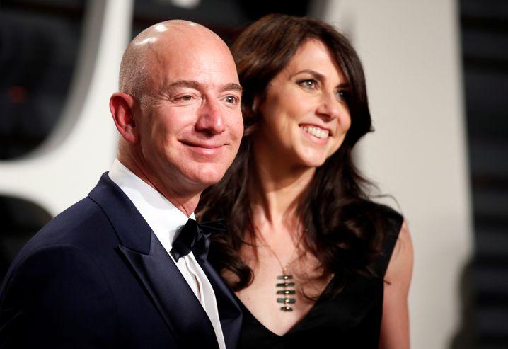Jeff Bezos und seine Frau MacKenzie Bezos haben ihre Scheidung angekündigt
