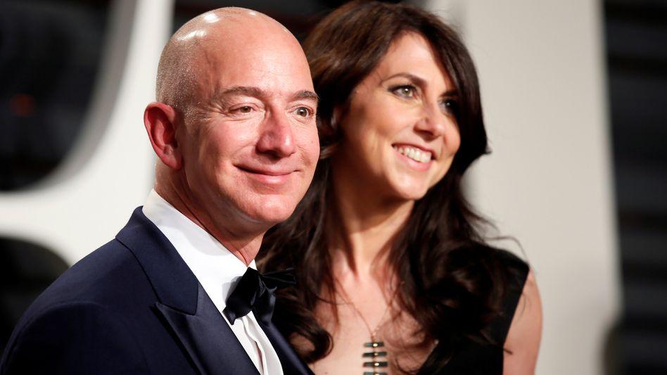 Jeff Bezos und seine damalige MacKenzie Bezos (im Jahr 2017)