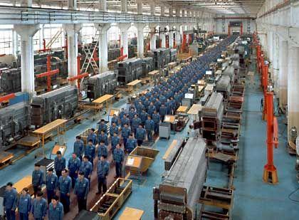 In Reih und Glied: Morgenappell in einer chinesischen Fabrik