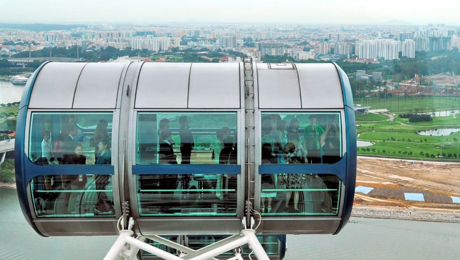 Blick vom Singapore Flyer: Die Attraktion wurde 2008 in Singapur eröffnet