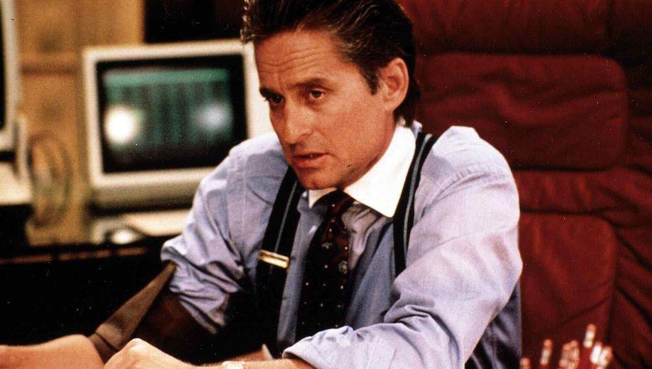 Gieriger Zocker: Michael Douglas verkörperte als Gordon Gekko in Wall Street den Prototypen des skrupellosen Finanzhais auf der Jagd nach dem schnellen Geld - im wirklichen Leben ist Geduld aber wohl die Eigenschaft, die mehr Rendite bringt
