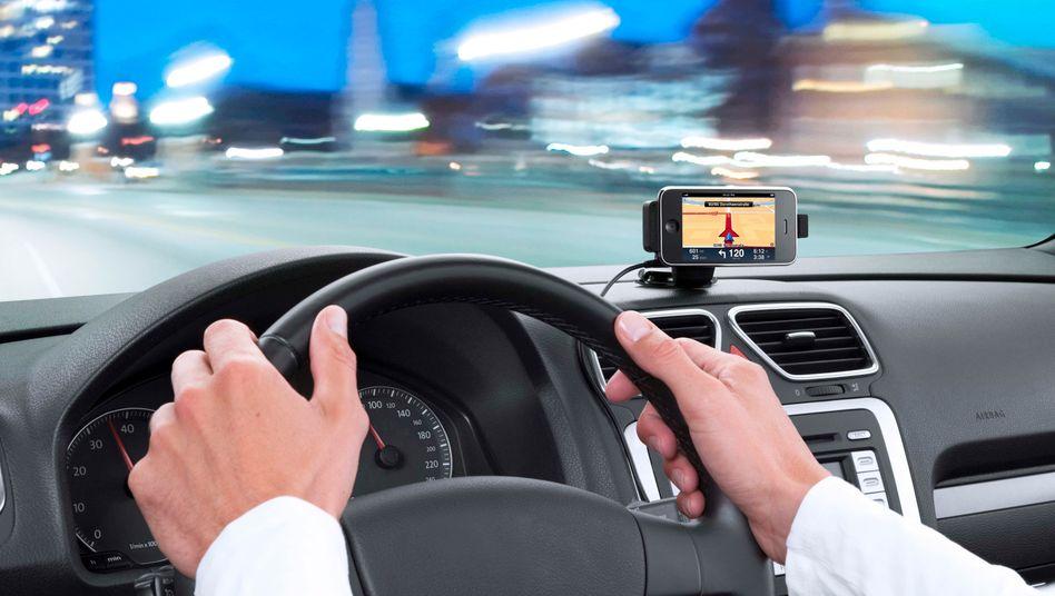 Routenführung: Handynavigation im Auto wird immer beliebter