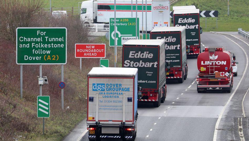 Übung der britischen Regierung zu Lkw-Kontrollen an der Kanalküste
