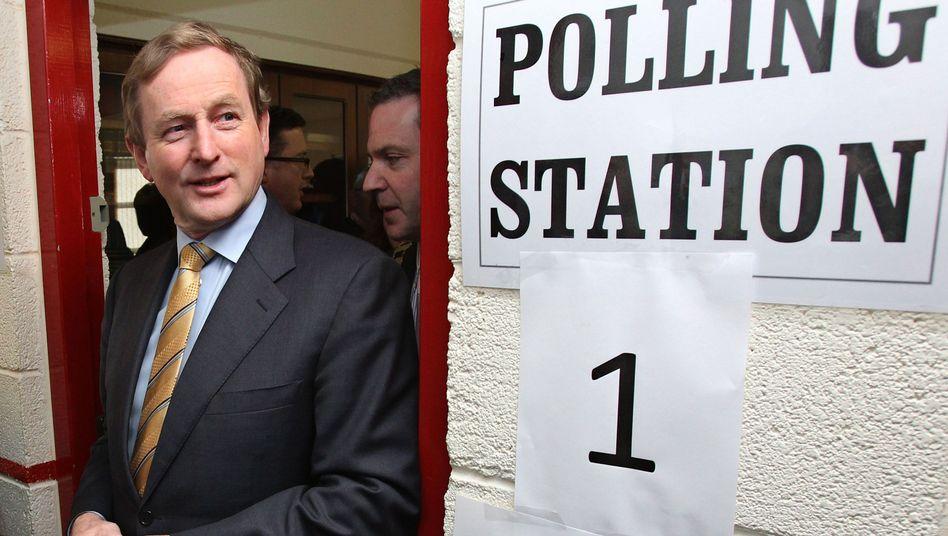 Hoffnungsträger: Viele Bürger in Irland empfinden das 85 Milliarden Euro schwere EU-Rettungspaket als Schmach. Der designierte irische Ministerpräsident Enda Kenny will es wieder aufschnüren