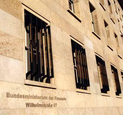 Zuversichtlich trotz Krise:Bundesministerium der Finanzen in Berlin