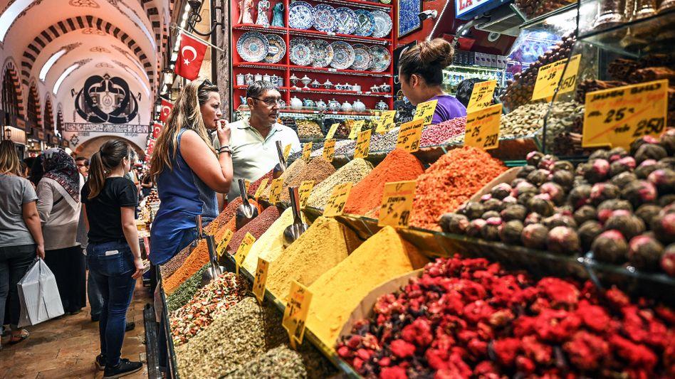 Teurer Einkauf: In der Türkei müssen die Kunden für ihre Lebensmittel immer tiefer in die Tasche greifen