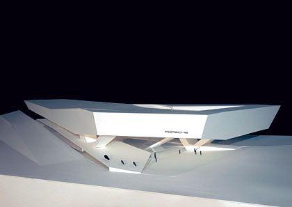 """""""Architektonisches Highlight"""": Modell des Büros Delugan Meissl (Wien), das den 1. Preis beim Porsche-Wettbewerb gewonnen hat"""