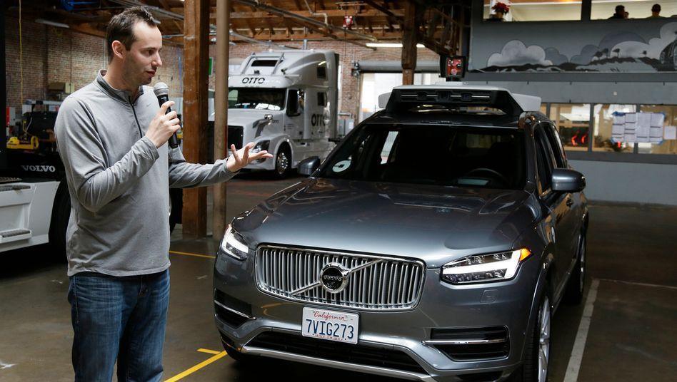 Der Leiter von Ubers Roboterauto-Programm, Anthony Levandowski, ist seinen Job wohl bald komplett los
