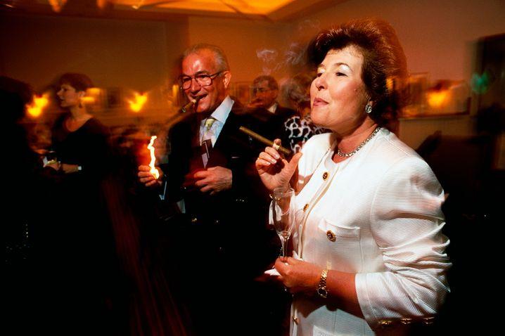 Millionärsmesse in Kalifornien: Ein paar Zigarren - und Anleihenfonds im Portfolio