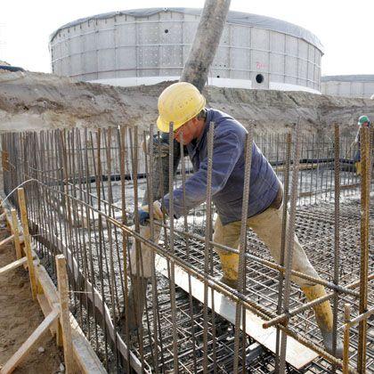 Vergebliche Mühe: die Arbeit am Biogaspark Penkun ist längst abgeschlossen - eine Gesetzänderung hat den Park jedoch inzwischen in Existenznot gebracht.