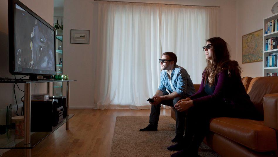 Ohne Brille geht es nicht: An der brillenlosen 3D-Technologie wird in der Industrie eifrig getüftelt, aber noch halten Experten sie für nicht ausgereift.