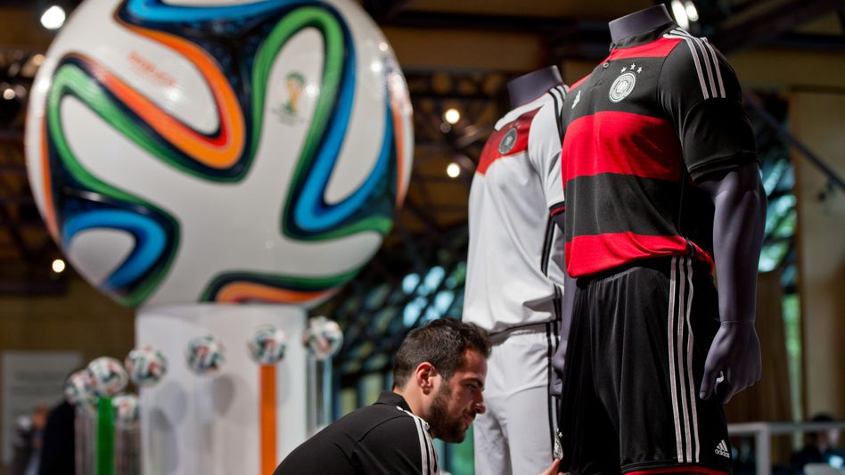 Der Weltmeister trägt drei Streifen, doch Sportausrüster Adidas kämpft nach der WM-Party mit Problemen