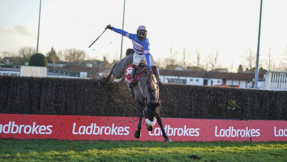 Milliardengeschäft: Von Ladbrokes gesponsertes Pferderennen im englischen Surrey am 27. Dezember 2020