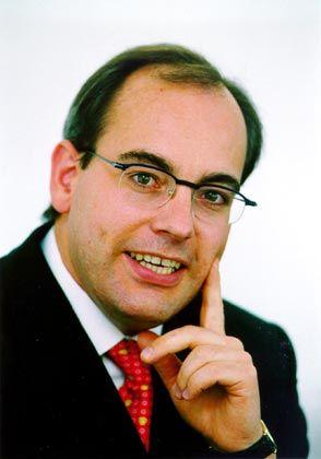 ... und Rolf Tilmes, Dozent an der Finanzakademie der European Business School (EBS), entwarfen den Finanzplan für manager magazin