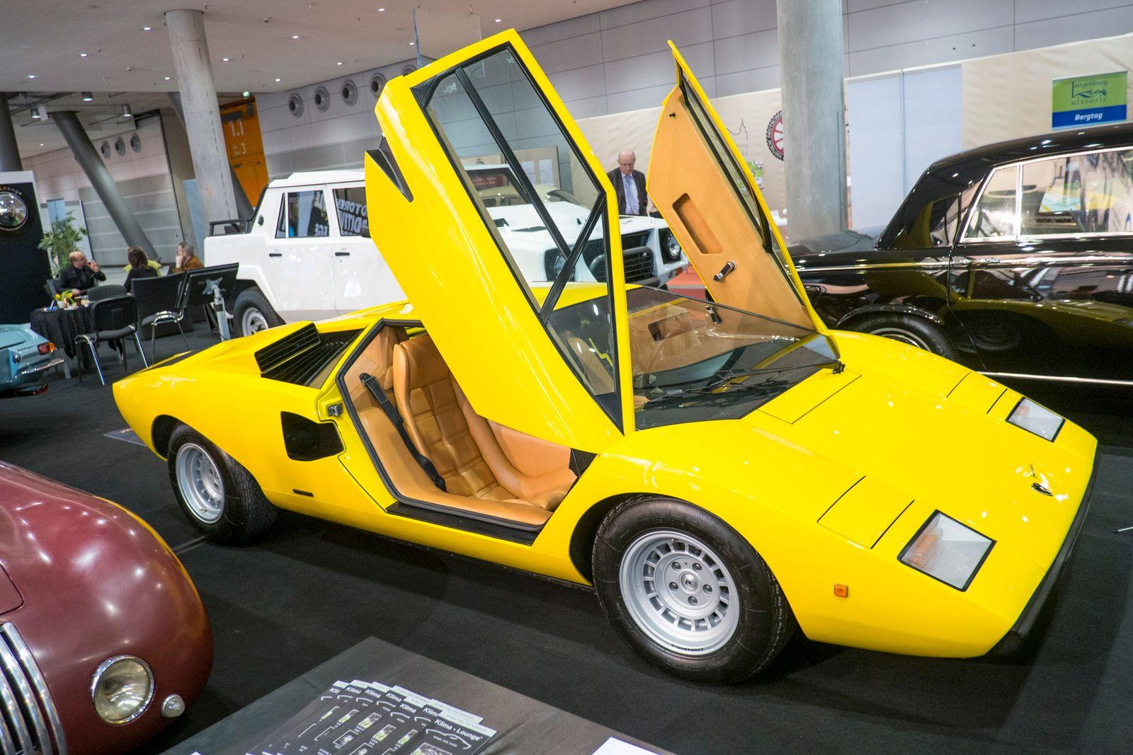 Retro Classics / Lamborghini Countach Lp 400