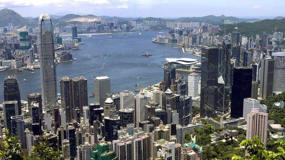 """Skyline von Hongkong: """"Ein Land, zwei Systeme"""""""
