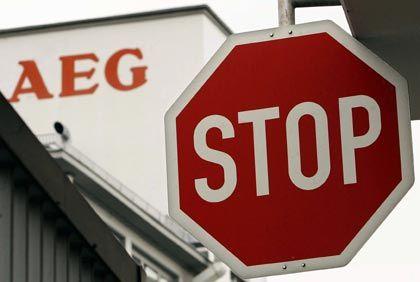 AEG-Mitarbeiter bleiben heute draußen: Im Stammwerk Nürnberg stehen die Bänder still