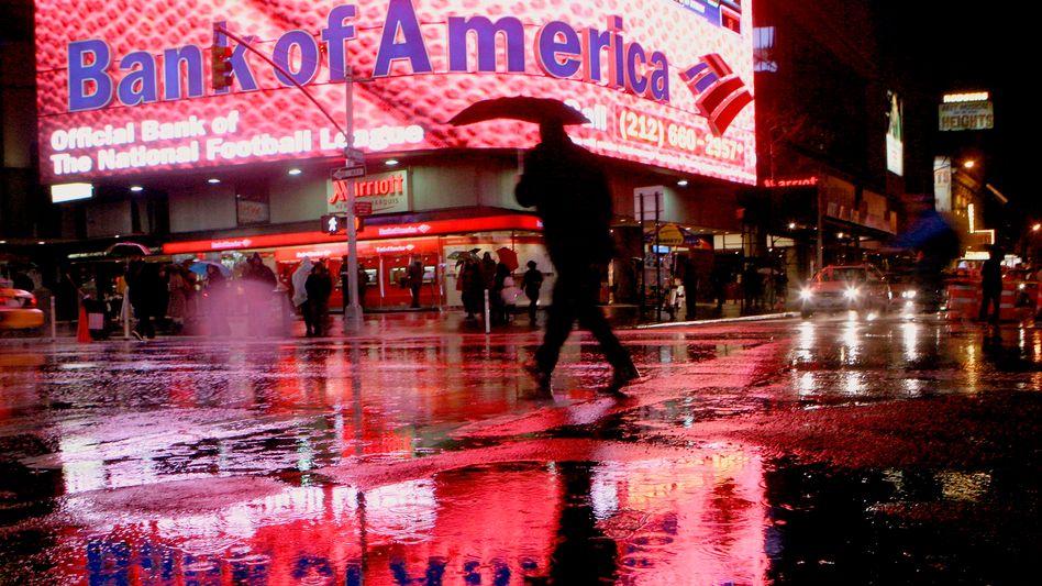 """Filiale der Bank of America am Times Square in New York: Die sogenannten """"Ninja-Loans"""", die der Immobilienfinanzierer Countrywide während der Zeit der Immobilienblase vergeben hatte, finden sich in milliardenschweren Abschreibungen wieder"""