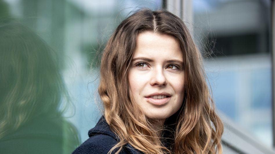Luisa Neubauer: Die Mitorganisatorin der Fridays-for-Future-Bewegung sprach am Freitag mit Siemens-Chef Joe Kaeser - und muss nun entscheiden, ob sie die Sparte Siemens Energy künftig mit beaufsichtigen will