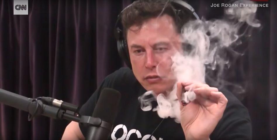 Durchblick verloren? Joints lösen die Probleme nicht, sondern verschrecken Investoren und immer mehr Top-Manager, die immer öfter dem Tesla-Chef den Rücken zudrehen