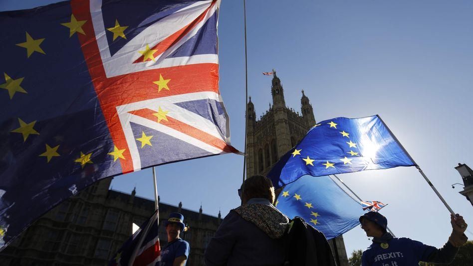 Britische Regierung billigt Entwurf des Austrittsvertrags mit der Europäischen Union