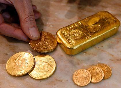 Hat der Dollar ausgedient? Verunsicherte Sparer setzen zunehmend auf Gold