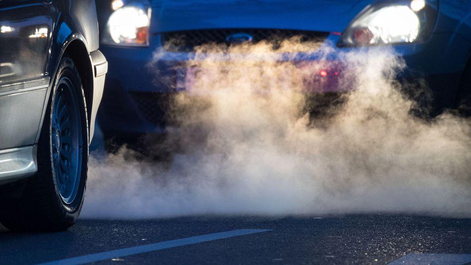 CO2-Ausstoß durch Kraftfahrzeuge: Die EU will die Treibhausgasemissionen stark reduzieren