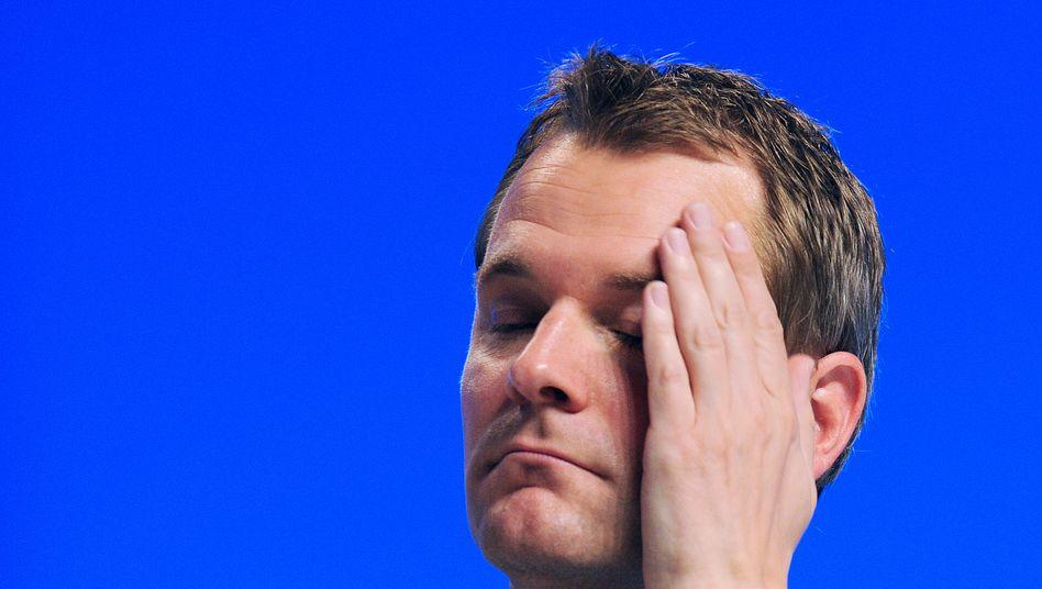 Setzt auf Prämienrückzahlung: Gesundheitsminister Daniel Bahr (FDP) will den Gesundheitsfonds für niedrigere Beiträge nicht anzapfen. Die wenigsten Krankenkassen wollen wiederum Überschüsse an Versicherte auszahlen