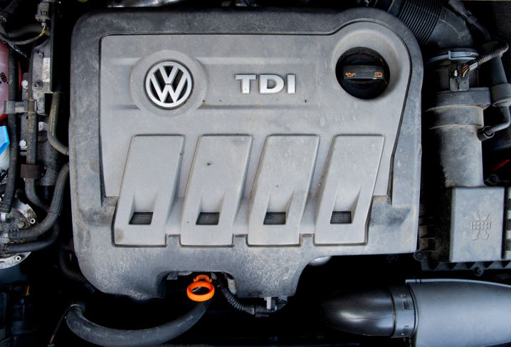 Dieselmotor von Volkswagen: Tausende VW-Kunden klagen gegen den Konzern wegen manipulierter Abgaswerte. Womöglich drohen ihre Ansprüche zu verjähren.