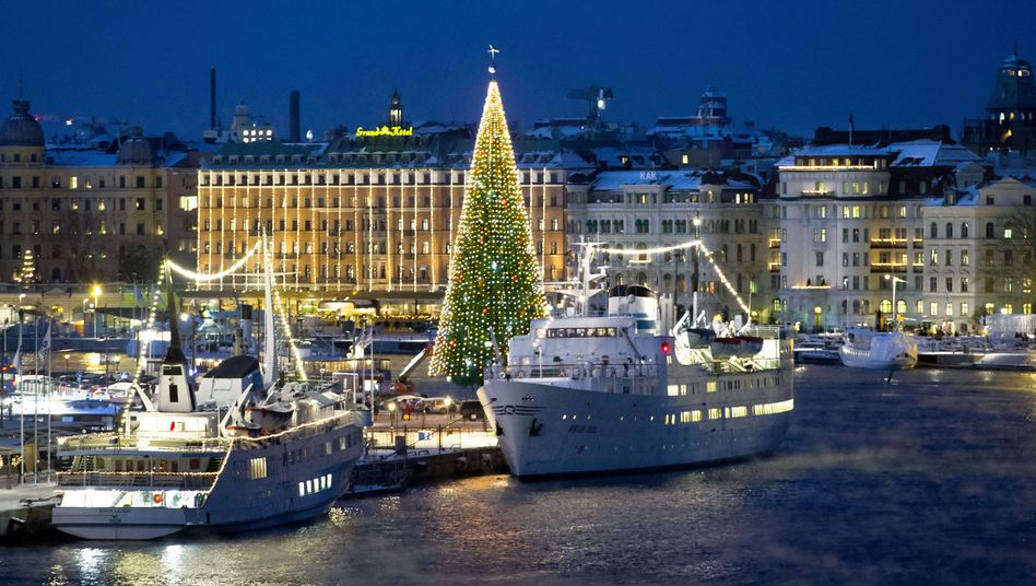 Weihnachtsbaum in Stockholm: Die schwedische Riksbank lockert erneut die Geldpolitik