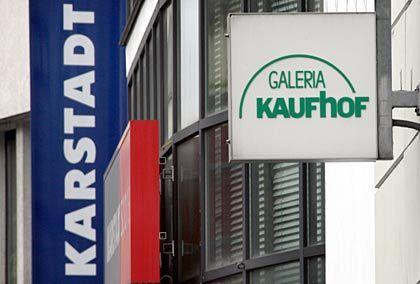 Warenhausfilialen in der Düsseldorfer City: Kaufhof will Karstadt-Filialen kaufen