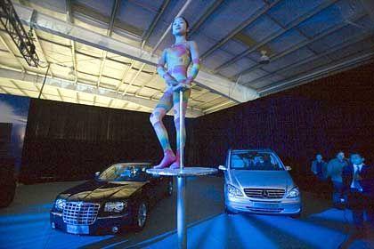 Produktionsort China: Feierliche Eröffnung des DaimlerChrysler-Werks in Peking im November 2005