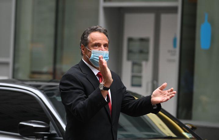 Der Glöckner von New York: Andrew Cuomo heute auf dem Weg zur Wall Street-Eröffnung.