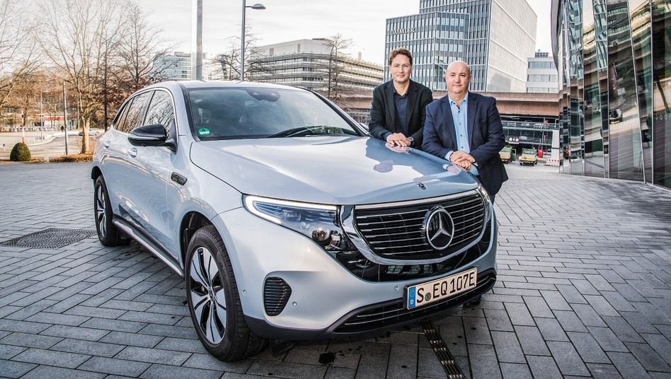 Einig im Streit:BetriebsratsbossMichael Brecht(r.) und Daimler-ChefOla Källenius