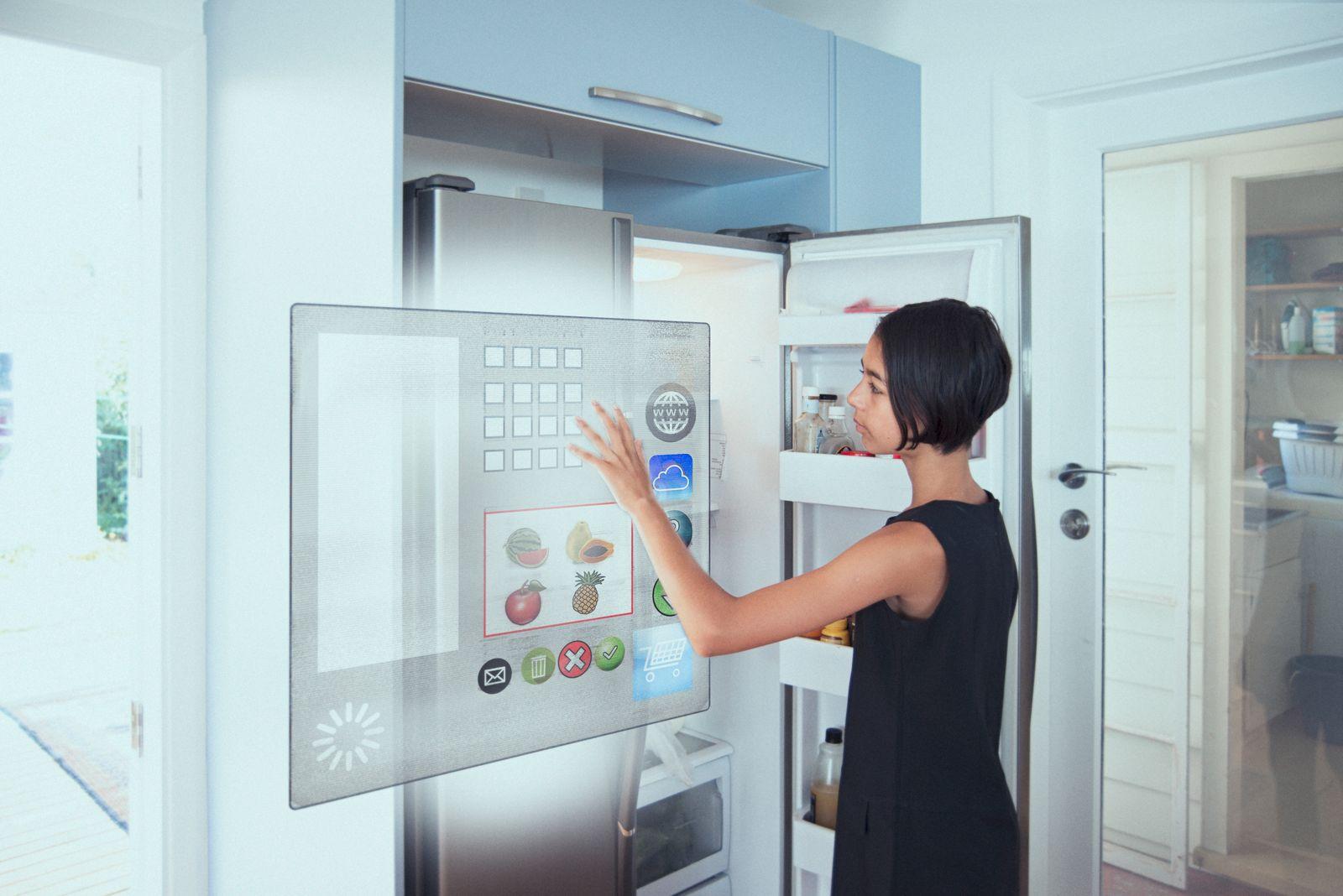 EINMALIGE VERWENDUNG Digitalisierung / IOT / Internet of things / Kühlschrank