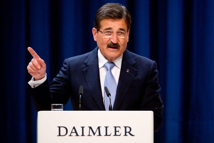 Manfred Bischoff (Jahrgang 1942), Vorsitzender des Aufsichtsrats der Daimler AG, trägt Schnauzer - und das ist nicht retro-ironisch gemeint. Das war schon immer so.