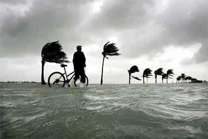 Schäden in Milliardenhöhe: Hurricane Wilma über Key West