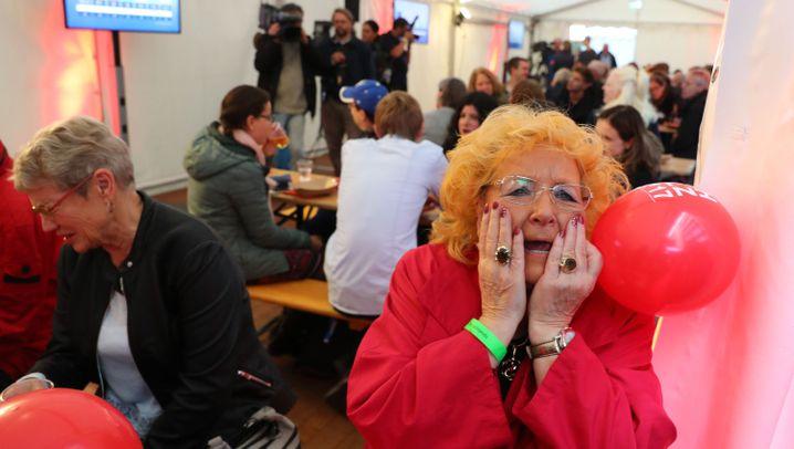 Reaktionen bei den Parteien: Schock und Jubel
