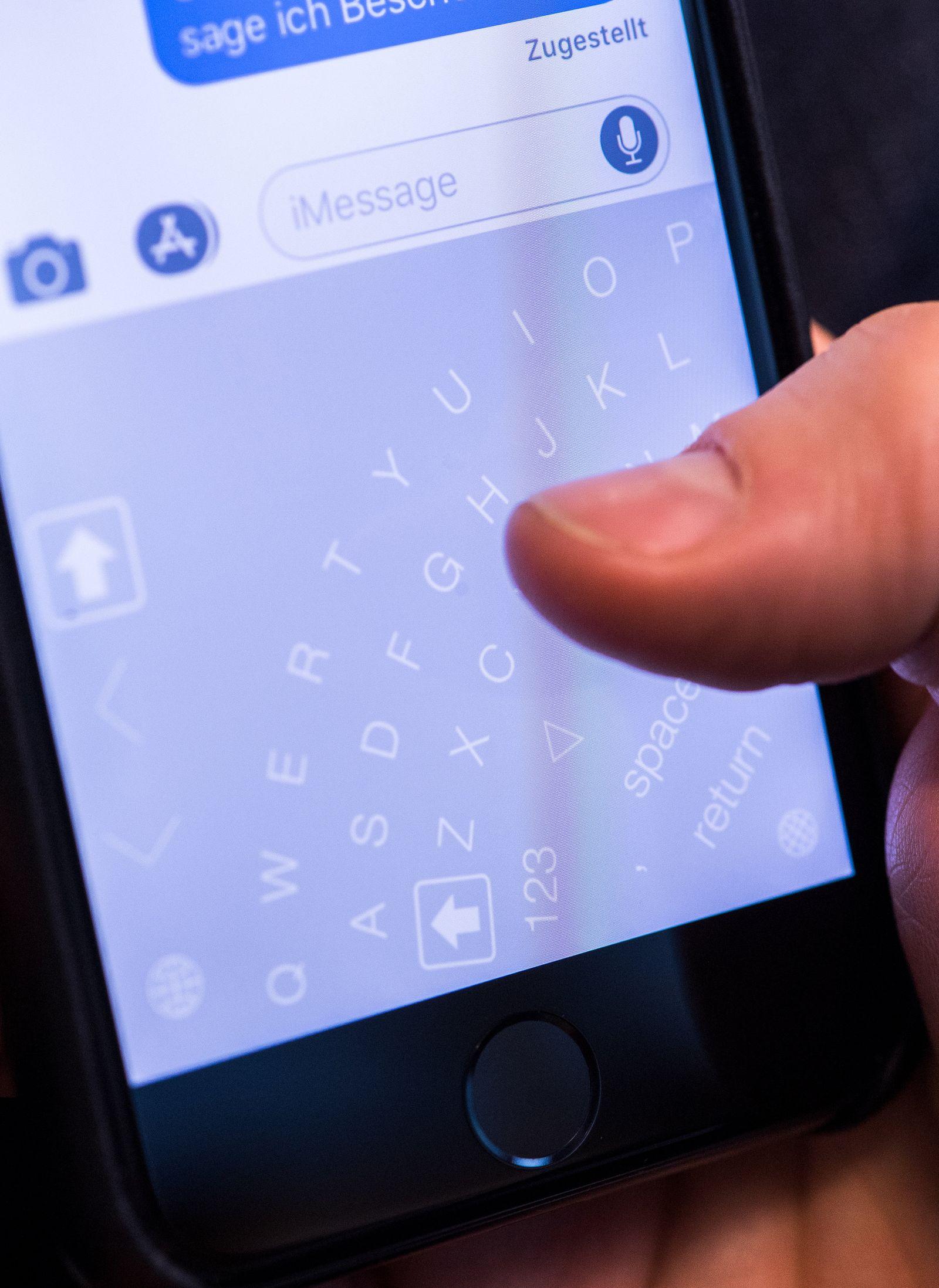 EINMALIGE VERWENDUNG Sechs Keyboard-Apps für Smartphone-Vielschreiber