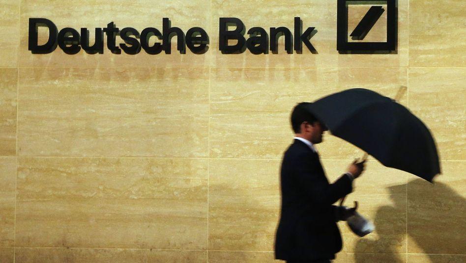 Deutsche Bank: Der Konzern hatte im vergangenen Jahr für seine Pensionsverpflichtungen von rund 15,2 Milliarden Euro ein nahezu gleichhohes Vermögen reserviert und die Zusagen an die Mitarbeiter damit zu 99 Prozent ausfinanziert - das ist so hoch wie bei keinem anderen Dax-Konzern