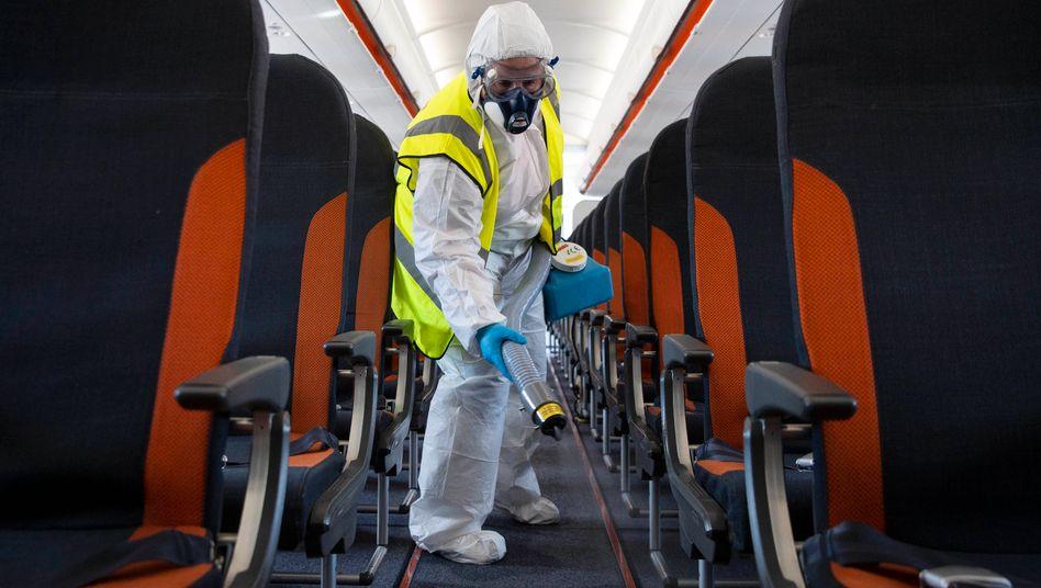 Desinfektion eines Flugzeugs