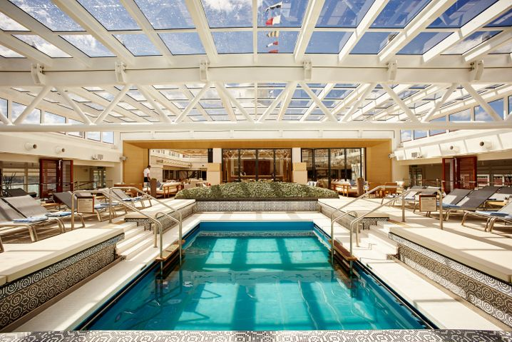 """Das Pooldeck der """"Viking Sea"""" soll fast genauso aussehen wie auf dem Schwesterschiff """"Viking Star""""."""