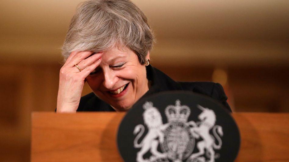 Theresa May: Großbritanniens Regierungschefin hat mit ihren Ex-Brexit-Ministern ihre liebe Not