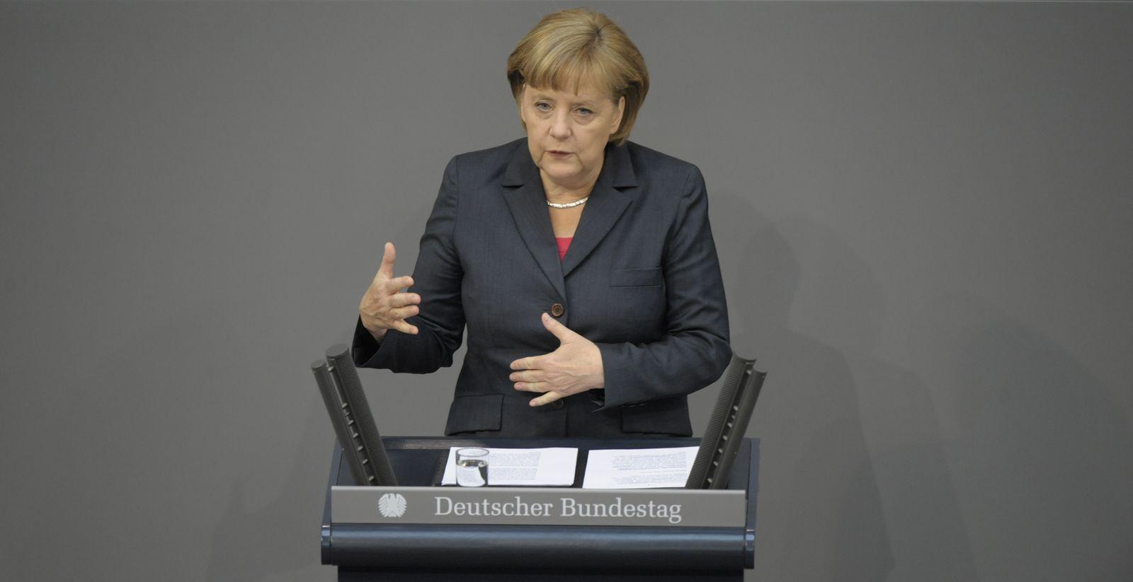 NICHT VERWENDEN Merkel / Regierungserklärung