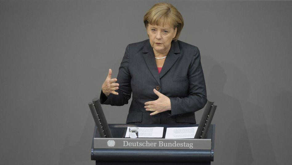 """Bundeskanzlerin Angela Merkel im Bundestag in Berlin: """"Deutschlands Kräfte sind nicht unbegrenzt"""""""