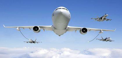 Erst wählen, dann tanken: Simulation einer Luftbetankung von Airbus Partner Northrop Grumman